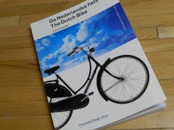 Nieuw tweetalig fietsboek op de markt: